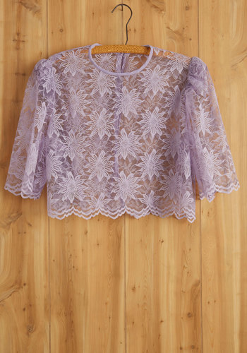 Vintage Daisy Chain Of Events Top