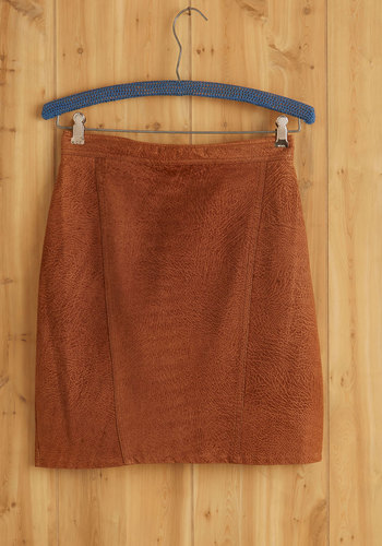 Vintage Bass Front Property Skirt
