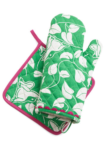 Croak Madame Oven Mitt & Pot Holder Set - Green, White