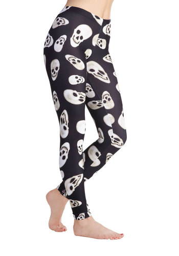 Fresh Take Leggings in Skulls - Black, White, Novelty Print, Casual, Urban, Fall, Statement, Halloween
