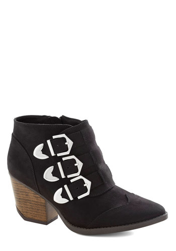 At Long Lasso Bootie - Black, Buckles, Statement, Urban, Mid, Chunky heel, Solid, Basic, Fall