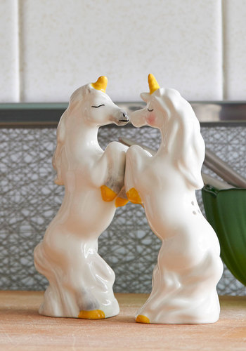 Unicorn on the Cob Shaker Set - White, Yellow, Kawaii, Fairytale, Quirky, Good, Valentine's, Wedding