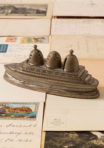 Vintage In Ship Shake Salt and Pepper Set