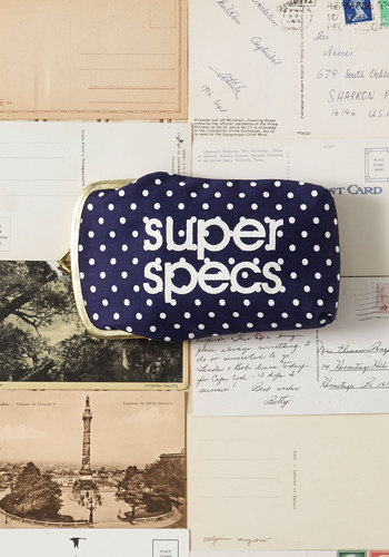 Vintage Quite a Spectacle Glasses Case
