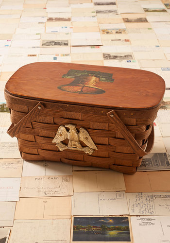 Vintage Independence Hall-iday Picnic Basket
