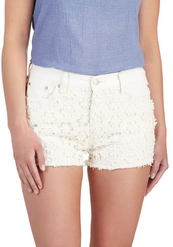 Daisy Details Shorts - White, Solid, Embroidery, Casual, Boho, Pockets, Summer