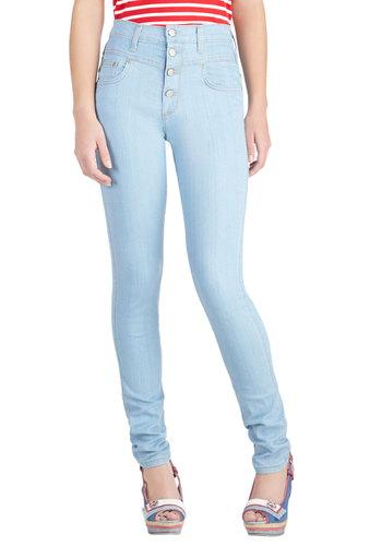Karaoke Songstress Jeans in Light Wash