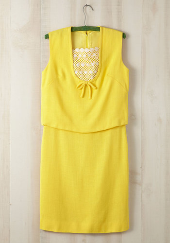 Vintage One Sunflower Day Dress in Plus Size