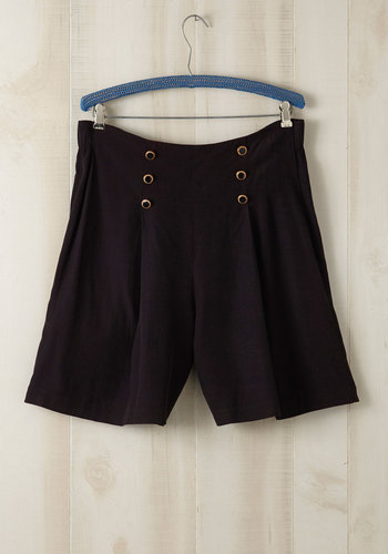 Vintage Oh, Snapshot Shorts in Plus Size