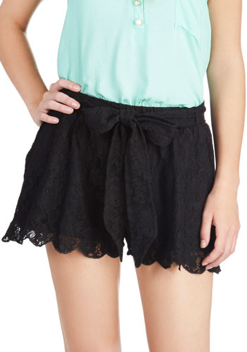 Get Up and Get Down Shorts - Black, Solid, Lace, Pockets, Scallops, Belted, Casual, Daytime Party, Summer