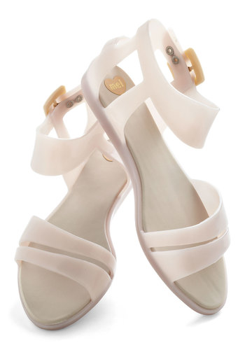 Marshmallow In Place Sandal by Mel Shoes - White, Solid, Cutout, Casual, Summer, International Designer