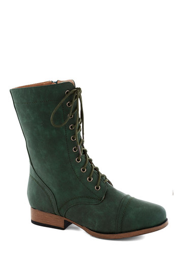 Barn Brunch Boot in Emerald - Green, Solid, Lace Up, Low, Good, Fall
