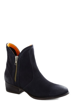 Lucky Penny Boot in Navy