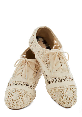Creamery of the Crop Flat - Cream, Crochet, Flat, Lace Up, Good, Solid, Casual, Knit