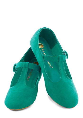 Doll Over Town Flat in Sea - Green, Solid, Flat, Faux Leather, Good, Casual, Variation, T-Strap, 90s