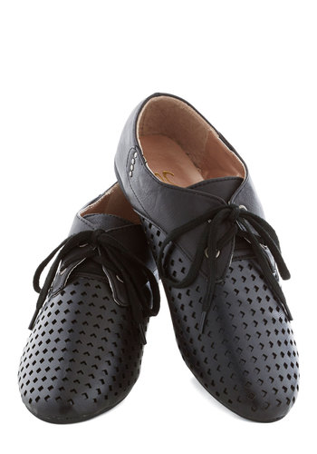 B-Side Surprise Flat - Black, Casual, Menswear Inspired, Flat, Good, Lace Up, Solid, Cutout, Faux Leather