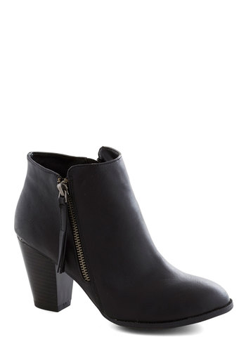 Alluring Arrival Bootie - Black, Solid, Faux Leather, Chunky heel, Good, Mid, Exposed zipper, Minimal