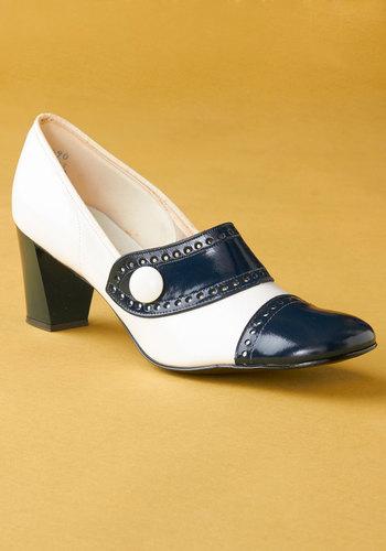 Vintage Novel Style Heel