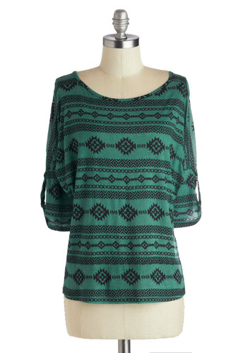 Casual in Kalamazoo Top - Green, 3/4 Sleeve, Good, Knit, Mid-length, Print, Casual, Scoop