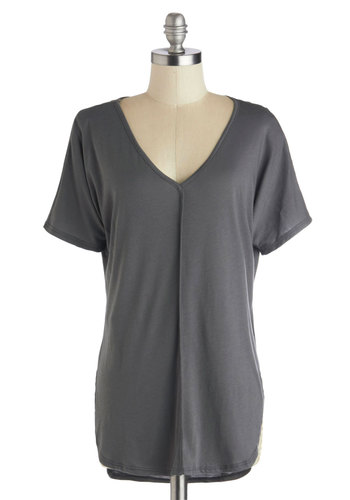 Morning in the Studio Top in Stone - Grey, Solid, Short Sleeves, Good, Mid-length, Jersey, Knit, Casual, Minimal, Variation, V Neck, Grey, Short Sleeve