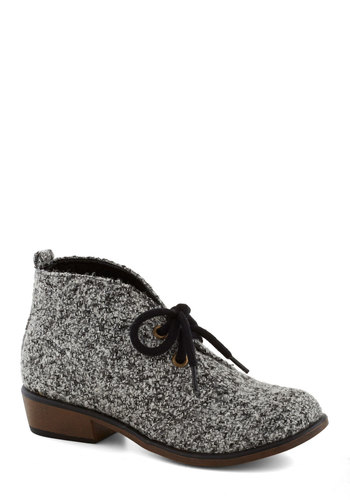 Tour Date Bootie in Charcoal - White, Menswear Inspired, Low, Lace Up, Good, Grey, Black, Variation