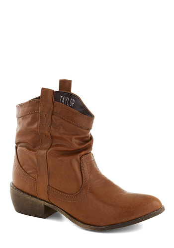 Ooh La Lasso Boot in Brown - Brown, Solid, Chunky heel, Low, Faux Leather, Good