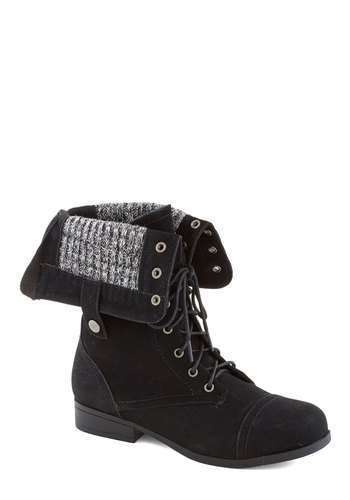 Just Trekkin' In Boot in Stone - Black, Knitted, Good, Low, Fall, 90s