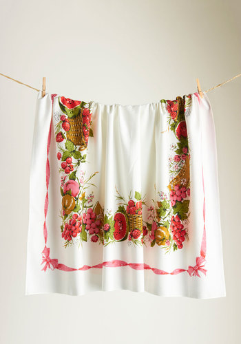 Vintage Entertaining Season Table Cloth