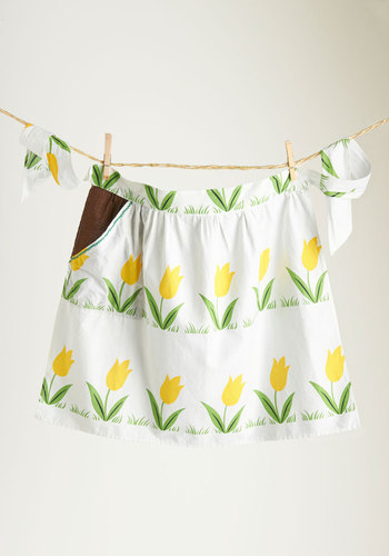 Vintage Tea Amid the Tulips Apron