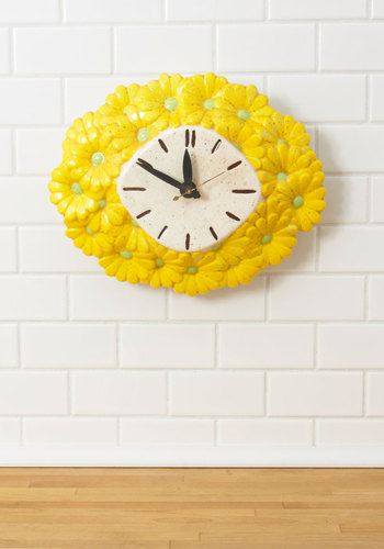 Vintage Every Daisy A New Adventure Clock