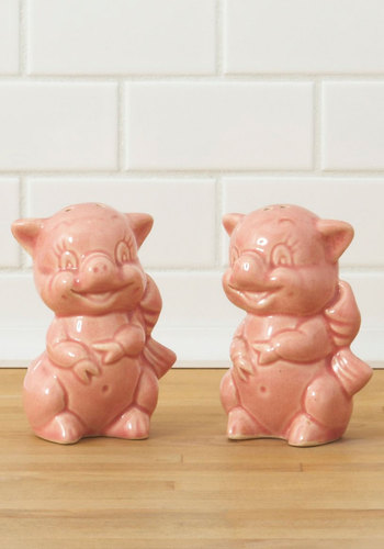Vintage Go Pig or Go Home Shaker Set