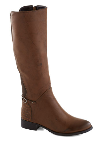 Brick Oven Boot in Brown - Low, Faux Leather, Brown, Good, Solid, Casual, Basic