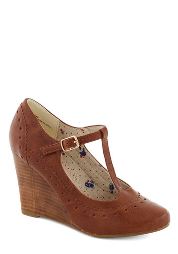Pie Contest Wedge in Pecan - Mid, Leather, Brown, Work, Vintage Inspired, Fall, T-Strap