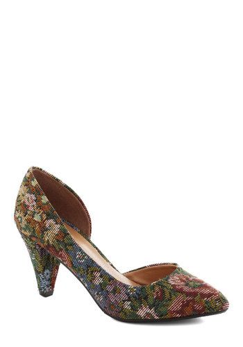 Treasure Stroll Heel in Floral - Mid, Woven, Multi, Floral, Daytime Party, Vintage Inspired, 40s, Better, Work, Variation, Holiday Party