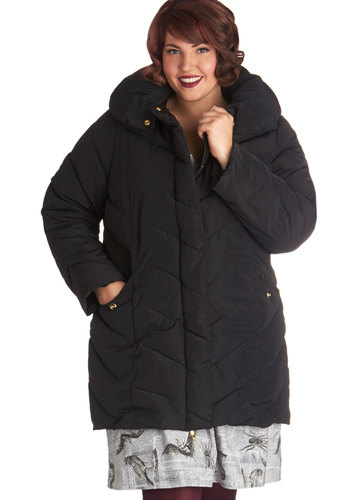 When in Roam Coat in Plus Size - 5, Black, Solid, Pockets, Quilted, Black