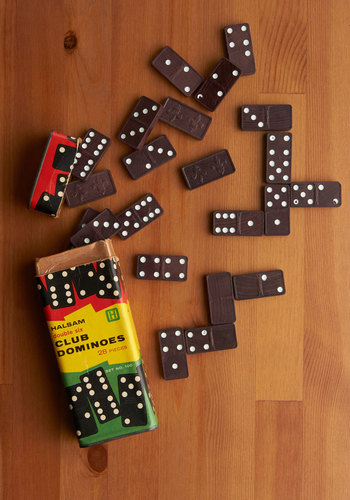 Vintage Pip Star Dominoes Set