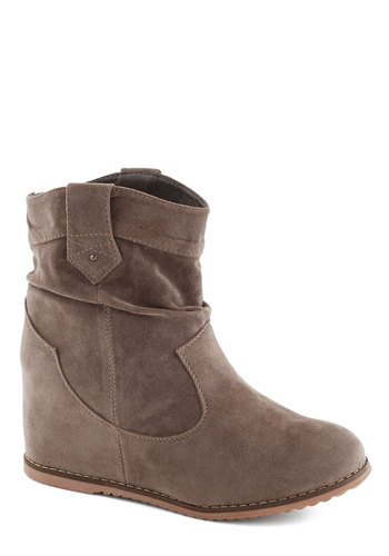 Hidden Path Boot - Tan, Solid, Casual, Mid, Faux Leather, Good