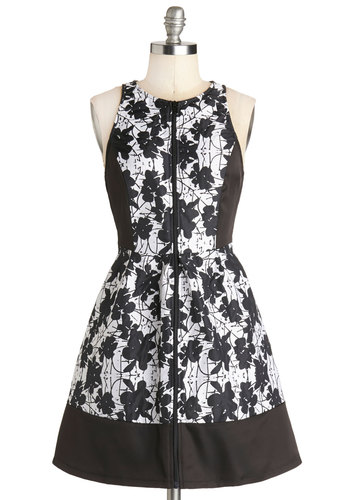 Cereus Business Dress - Short, Woven, Black, White, Floral, Exposed zipper, Party, Fit & Flare, Sleeveless, Good, Crew, Daytime Party, A-line