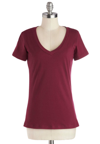Tee Spirit in Red - Red, Solid, Short Sleeves, Good, Mid-length, Cotton, Knit, Minimal, Jersey, Variation, Basic, V Neck, Red, Short Sleeve