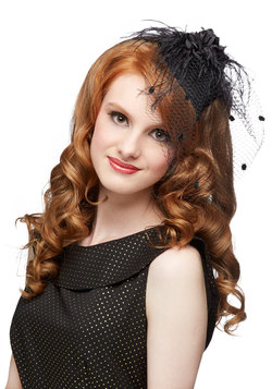 A Modern Fascinator in Noir