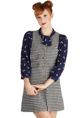 Baker Street Chic Jumper in Black and White - Black, White, Buttons, Pockets, Sheath / Shift, Sleeveless, Good, V Neck, Short, Woven, Houndstooth, Work, Casual, Scholastic/Collegiate