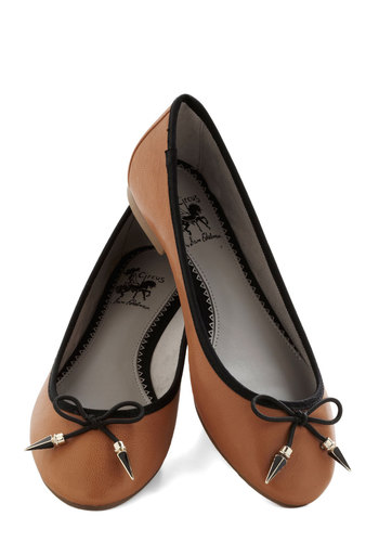 Poke Around Flat in Caramel - Flat, Leather, Brown, Black, Solid, Bows, Work, Casual, Variation