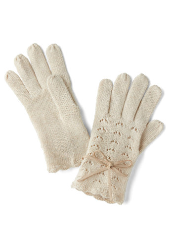 Foggy Mornings Gloves - Cream, Solid, Eyelet, Scallops, Fall, Winter, Good, Knit