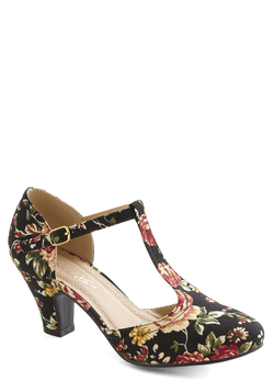 Eat, Bouquet, Love Heel in Noir Corsage