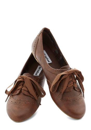 Natural Nonchalance Flat - Brown, Solid, Menswear Inspired, Flat, Good, Lace Up, Faux Leather, Scholastic/Collegiate