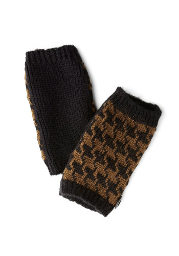 Data Darling Glovelettes by Wooden Ships - Brown, Trim, Fall, Winter, Knit, Tan / Cream, Houndstooth, Casual