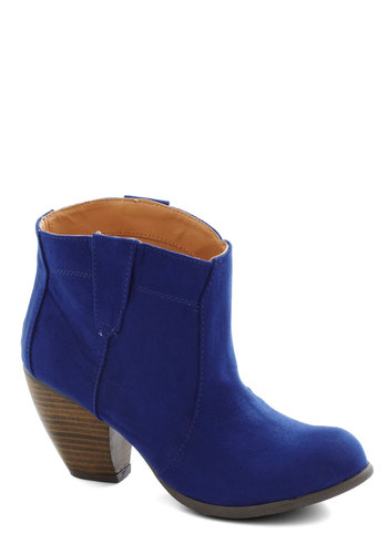 Style Revival Bootie in Royal Blue - Mid, Faux Leather, Blue, Solid, Good, Chunky heel, Variation, Folk Art