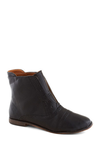 Cobblestone Stroll Bootie - Faux Leather, Flat, Black, Solid, Menswear Inspired, Good, Casual, Vintage Inspired
