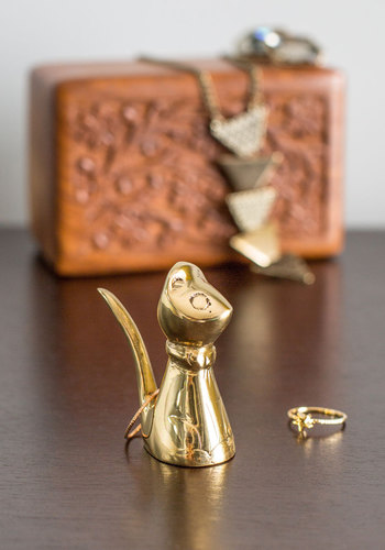 Put It on Paws Ring Holder - Gold, Vintage Inspired, Cats, Good, Solid, Print with Animals