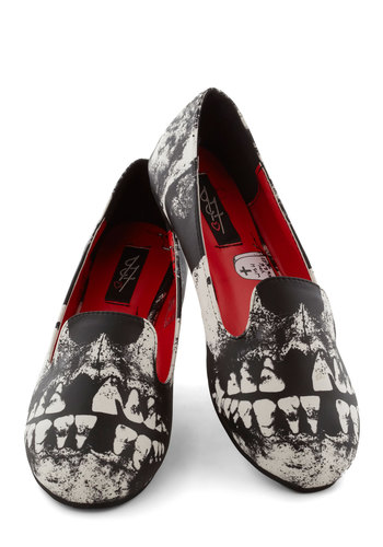 Ahead to Toe Flat - Flat, Woven, Black, White, Novelty Print, Casual, Halloween, Skulls